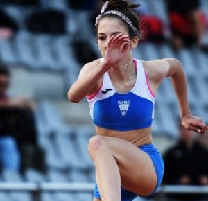 Juniorska doprvakinja na 400m pr, - 64,58 , kadetkinja Natalija Švenda